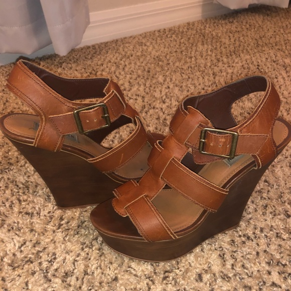 "92e92e5ffe4 Brown Steve Madden 5"" wedge sandals"